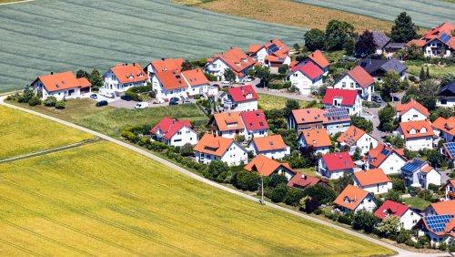 Ökonom Lars Feld über ein Einfamilienhaus-Verbot: »Die Preise bestehender Häuser dürften extrem steigen«