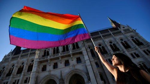 Sanktionen der EU: Nach Anti-LGBT-Gesetz - Ungarn droht Kürzung der EU-Gelder
