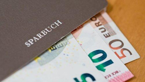 Trend beschleunigt sich: 300 Banken verlangen Strafzinsen