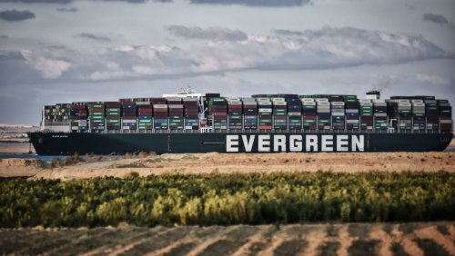 Suezkanal fordert 916 Millionen Dollar: »Ever Given«-Eigner legen Bergungskosten auf ihre Frachtkunden um