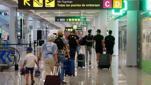 Neue Regeln ab Sonntag: Bundesregierung beschließt Testpflicht für ungeimpfte Reiserückkehrer
