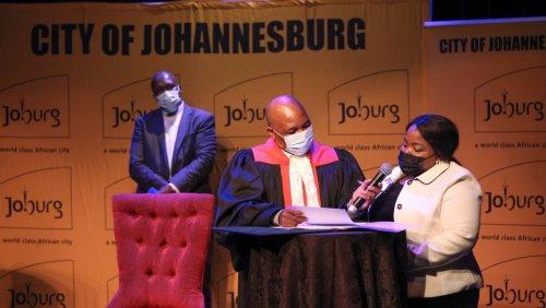 Knapp sechs Wochen im Amt: Bürgermeister von Johannesburg stirbt bei Autounfall