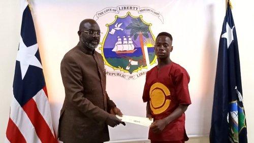 Junger Held in Liberia: 19-Jähriger findet 50.000 US-Dollar – und gibt das Geld zurück