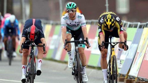 Radsport: Van Aert gewinnt Ardennen-Auftakt nach Zielfoto – Schachmann starker Dritter