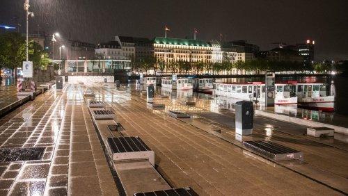 Hamburg bei Nacht: Leere Straßen trotz Aufhebung der Ausgangsbeschränkung