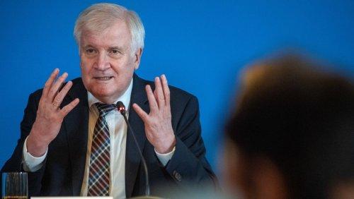 Extremismus: Seehofer warnt vor Radikalisierung der »Querdenker«-Bewegung