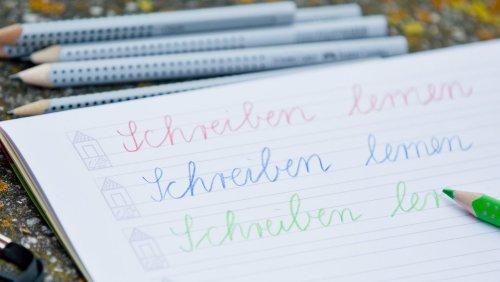 Metastudie der TU München: Wer Hausaufgaben kontrolliert, kann seinem Kind möglicherweise schaden