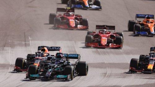 Formel 1 in den USA: Verstappen verliert Führung beim Start – und schlägt in der Box zurück
