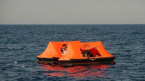 Pushbacks in der Ägäis: Mehr als hundert Flüchtlingsboote bei Frontex-Einsätzen zurückgestoßen