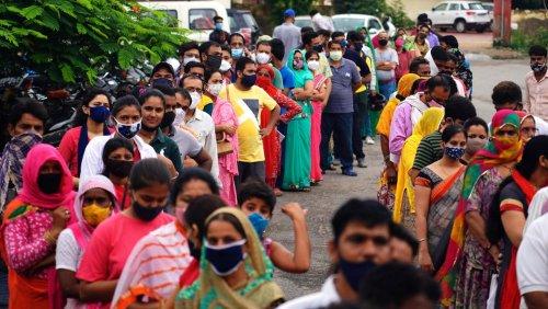 Coronakrise: Das Rätsel um Indiens sinkende Infektionszahlen