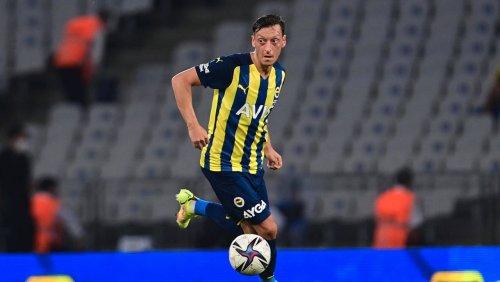 Mesut Özils schwerer Start in Istanbul: Nur noch Mitläufer