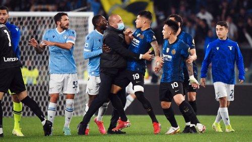 Nach Sieg im Topspiel gegen Inter: Lazio-Spieler sieht Rot, weil er beim Jubeln seinen Gegenspieler anspringt