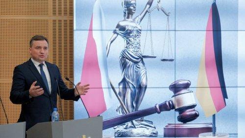 Streit mit der EU: Polen will Unabhängigkeit des Bundesgerichtshofes überprüfen lassen