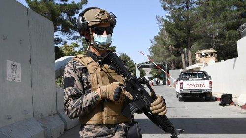Nach Machtübernahme in Afghanistan: Taliban kämpfen mit Spezialkräften gegen den IS