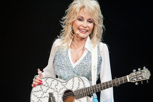 That Time Dolly Parton Aided in Funding Moderna Vaccine Research