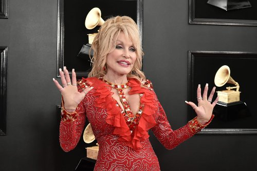 That Time Dolly Parton Turned Down a Statue For All The Right Reasons