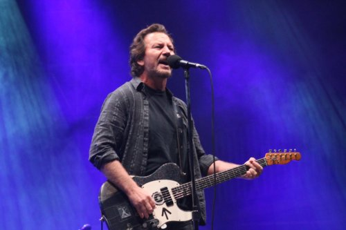 Eddie Vedder Debuts New Band, Plays Covers at Ohana Fest
