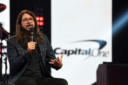 Dave Grohl Announces Limited The Storyteller Book Tour | SPIN