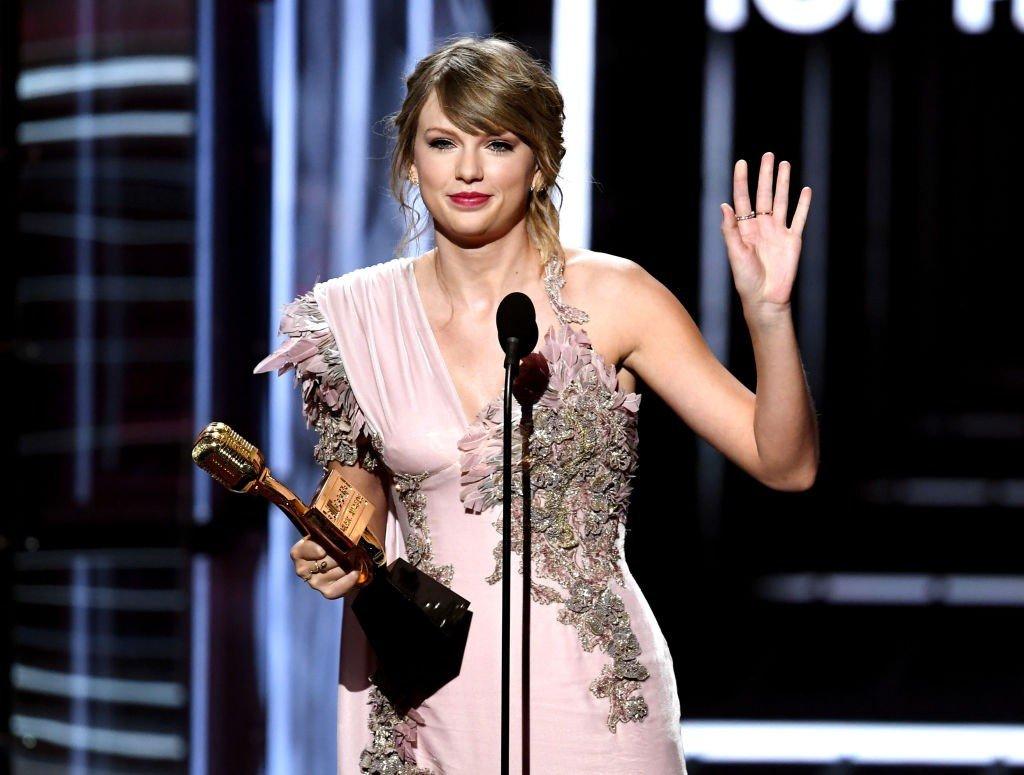 Taylor Swift Claps Back at 'Sexist' Joke in Netflix Show