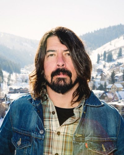 Dave Grohl has some ideas for altering the 'Nevermind' cover art