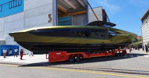 Conor McGregor exhibe son yatch Lamborghini de 4000 chevaux !