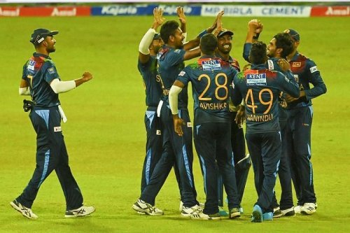 18 Sri Lankan players sign national contracts, Angelo Mathews not in list