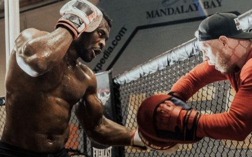 5 UFC stars who should consider switching to boxing