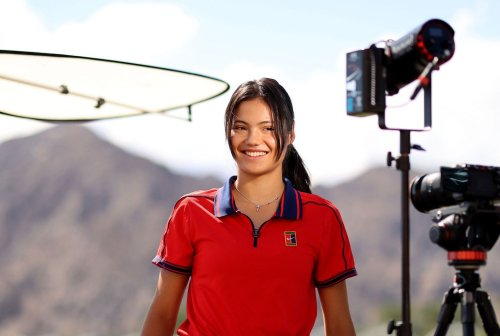 Emma Raducanu answer fan question on the sidelines of Indian Wells, chooses scuba diving & skydiving over paragliding