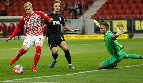 1. FSV Mainz 05 - FC Augsburg 4:1: Überragender Burkardt lässt FCA keine Chance