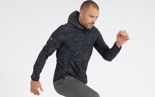 When You Gotta Workout in the Cold, You Need a Softshell Jacket