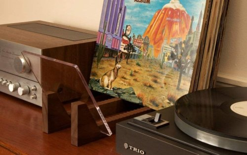Organize and Improve Your Vinyl Hobby With Some Prime Vinyl and Record Player Accessories