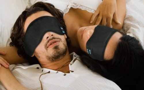 This $25 Headband Blocks Out Noise and Light So You Can Finally Get a Peaceful Night of Sleep