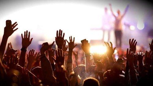 Maggio, riaperture di bar, ristoranti, cinema, teatri e palestre: ecco cosa sarà possibile