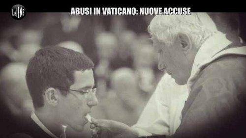 Chierichetti del Papa abusati: lo scandalo omosessuale Vaticano
