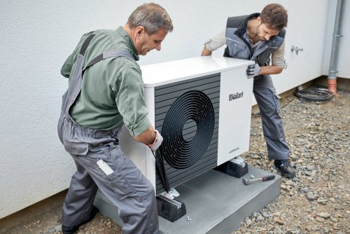 Government sets out £5,000 grants for households to swap to heat pumps