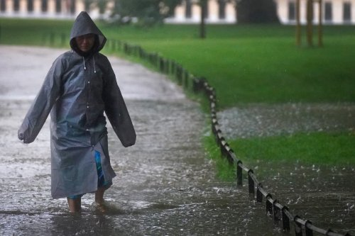 UK forecast: Flooding warning as downpours and strong winds to hit UK