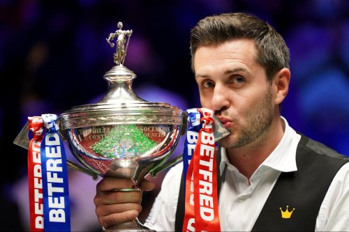 Selby seals fourth world snooker title with win over Murphy