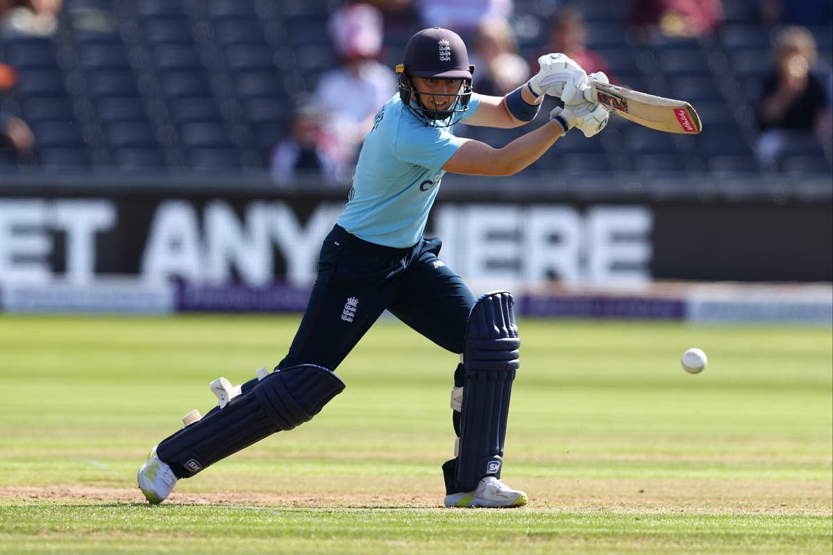 Knight leads from front as England beat New Zealand in opening ODI