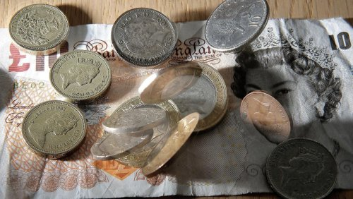 Rising inflation could cut average household incomes by £700, study suggests