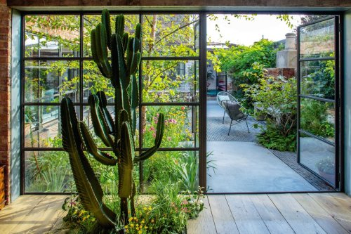 How one designer created a courtyard garden in the middle of her home