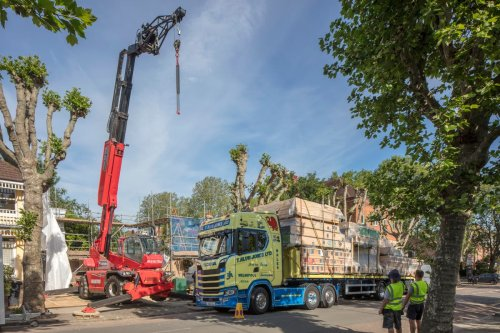 Is the future prefab? Crouch End flat-pack, eco-house arrives by lorry