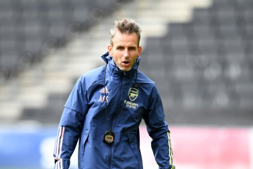 Arsenal assistant coach Stuivenberg leaves role with Wales