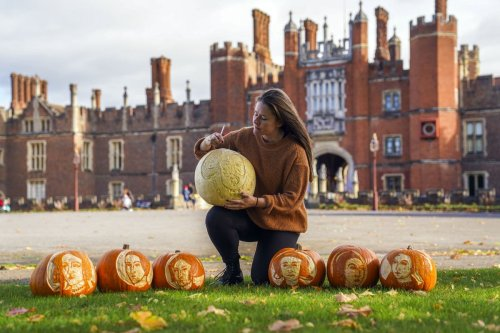 In Pictures: Henry VIII and his wives turn into pumpkins