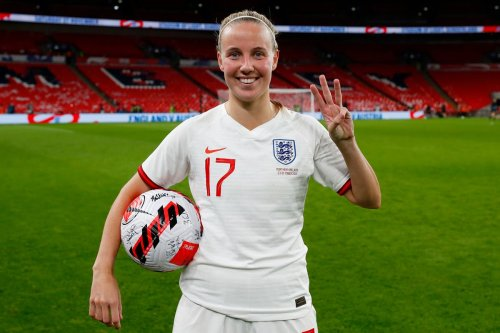 Scintillating Mead hat-trick sees Lionesses win on Wembley return