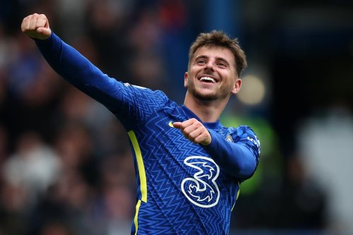 Rampant Chelsea defy key absences with Mount firmly back on goal trail