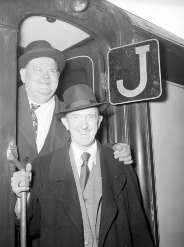 £5,000 reward offered to help find stolen Laurel and Hardy statues