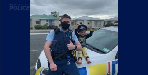 Police answer 4-year-old's call and confirm his toys are cool