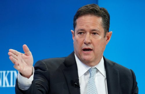 Barclays resumes dividend payments as profits soar to £5 billion