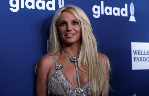 Britney Spears asks for accountant to replace her father as conservator