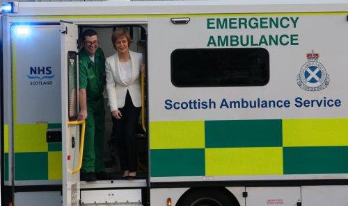 Ambulance crisis caused by more than pandemic, senior surgeon warns